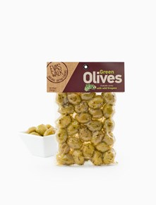 Green Olives with wild Oregano
